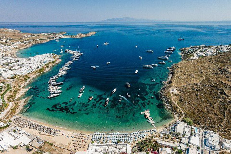 MYKONOS BEACH AND RESTAURANTS GUIDE